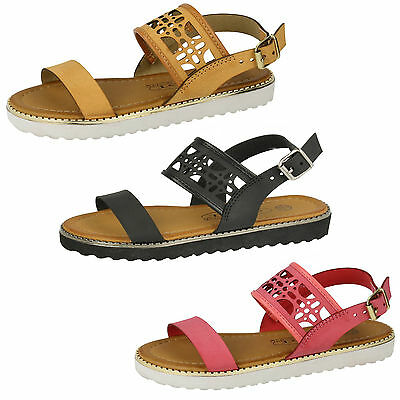 Wholesale Girls Casual Sandals 16 Pairs Sizes 10-2  H0181