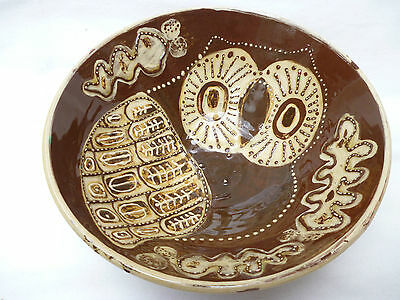 LARGE VINTAGE GLAZED ART POTTERY BOWL - OWL IMAGE - 22cm dia. good condition