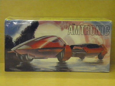 1:25 The Armtronic Futuristic Multi-Duty Vehicle Amt Amt-755