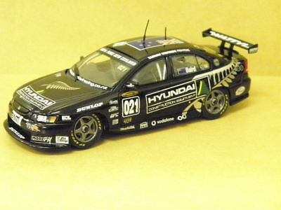 1:43 TEAM KIWI RACING VY COMMODORE (C.BAIRD) 2004 #021 Carlectables 1021-2