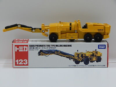 1:91 Sakai Pneumatic Tire Type Milling Machine (Yellow) - Made in China Tomica 1