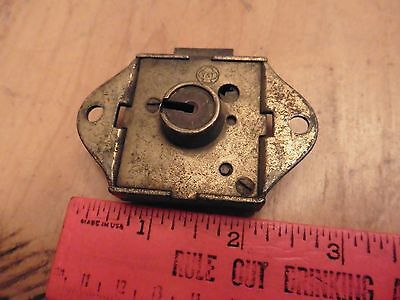 Yale & Towne Vntg door lock dead bolt latch antique hardware skeleton key hole