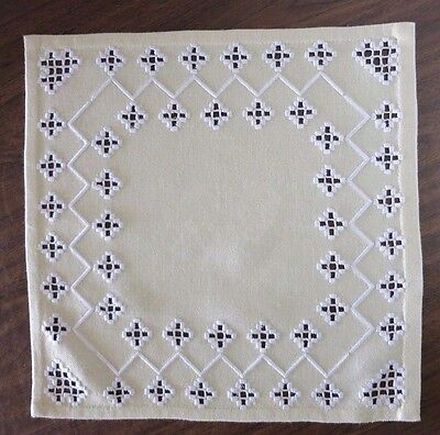 """HAND EMBROIDERED HARDANGER DOILY - SOFT YELLOW - WHITE EMBROIDERY - 14.75"""" Sq"""