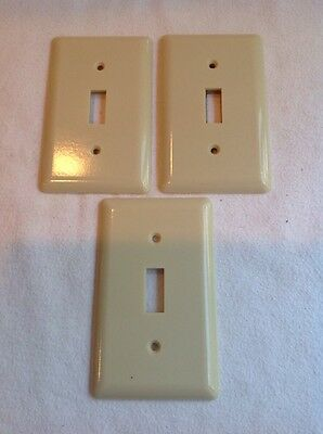 3 Old Vintage Switch Plate Outlet Covers Plates Ge Plastic Bakelite Mexico