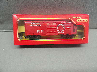 Triang Tri-ang  Railways OO R.249 EXPLODING DANGER WARHEADS car 9841 in box