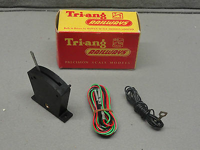 Tri-Ang Railways Triang RT.44 Black Lever Frame Section (with  wires) in box
