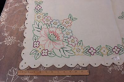 Lovely American Vintage Floral Hand Embroidered Linen Tablecloth c1928