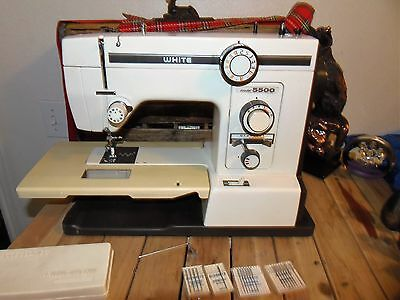 Vintage White Sewing Machine ZigZag Model 5500 with Case 1.1 AMPS METAL SEWING