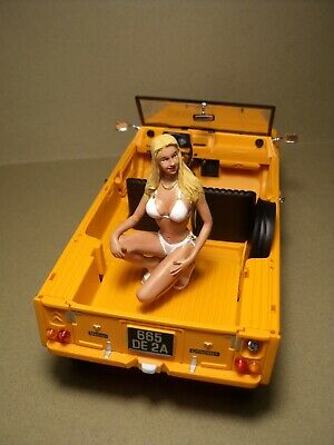 Figurine  1/18   Sexy  Girl  Myrtille  Vroom   A  Peindre   Erotique   Folies