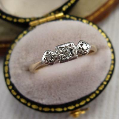 VINTAGE 1940's DIAMOND RING in 9CT GOLD and PALLADIUM size K
