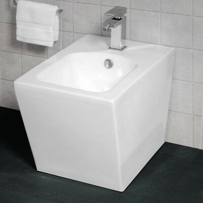 Back to Wall Floor Mounted High Quality White Ceramic Modern Design Bidet