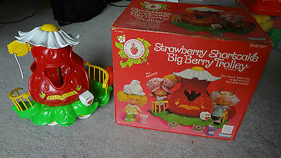Vintage Strawberry Shortcake Big Berry Trolley with Box! 1982 Near Complete!