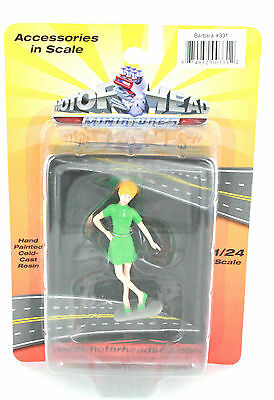1:24 Scale Diorama Women  Figure Barbara Green New Sealed Great For Die-Cast Car