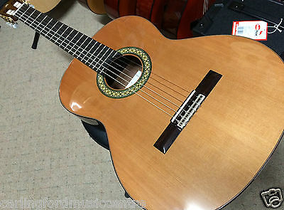 ALHAMBRA 4P Classical Guitar SOLIDTOP Crafted in SPAIN. + Pickup + Hard Case