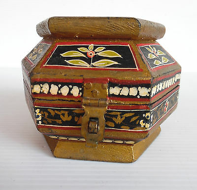 Vintage Hand Painted Jewellery Box Highly Detailed 10cm X 9 cm X 7 cm