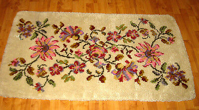 "Vintage Shillcraft Handcrafted Latch Hook Wool Completed Rug 4' 8"" X 2' 7"""