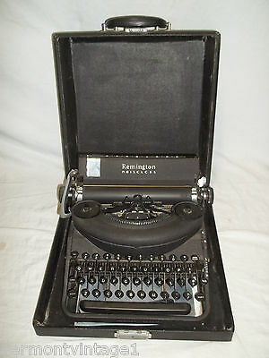 Antique Typewriter - Remington Noiseless Model Seven (7) in Case - rand portable