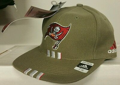 c07353bb TAMPA BAY BUCCANEERS NFL Reebok Fitted Cap Hat Size 7 1/8 Red White ...