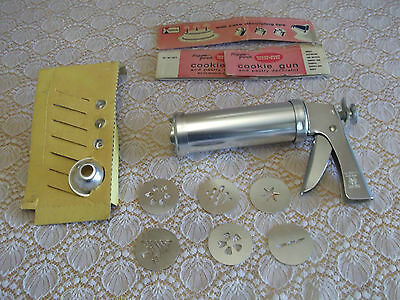 Vintage Cookie Press Cake Pastry Decorator 6 Design Plates 3 Tips Wear Ever