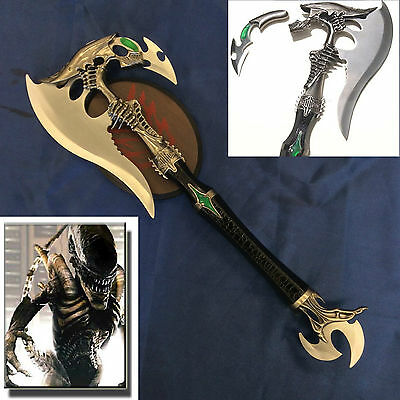 New Predator Fantasy Battle Axe/Hachet with Dagger & Wooden Plaque
