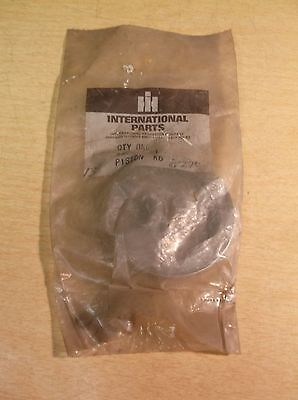 NEW International harvester NOS Piston 432897C1 *FREE SHIPPING*