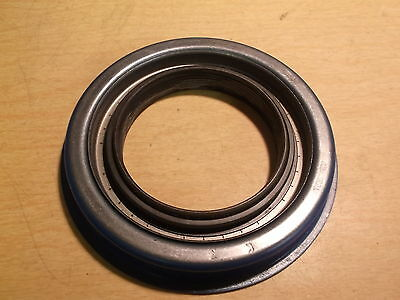NEW Stemco 4290010 Pinion Seal Assembly *FREE SHIPPING*