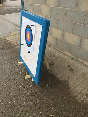 ARCHERY TARGET STAND 90cm 90cm STRAW TARGET 20 PAPER FACES 4 PINS free pp