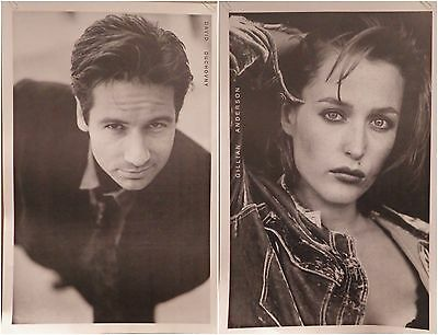 "(2) TV POSTERS~David Duchovny+Gillian Anderson X-Files 25x35"" Combo UK Imports~"