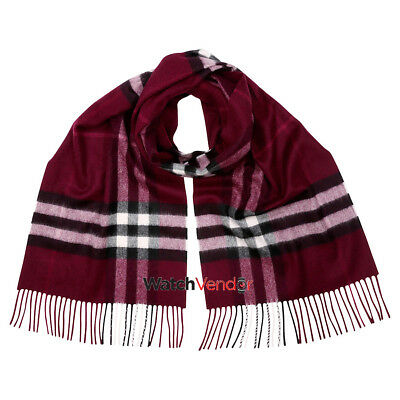 Burberry Classic Cashmere Scarf in Check - Plum Check
