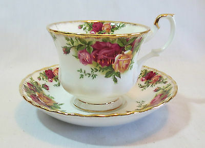 Royal Albert Old Country Roses Gold Trim China Cup & Saucer Set(s)