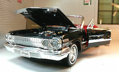 1:24 Scale Chevrolet Impala Cabrio 1963 Welly Diecast Detailed Model Car 22434
