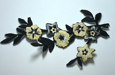 BLACK AND WHITE FLOWERS TRIM  Embroidered Sew Iron On Cloth Patch Badge APPLIQUE