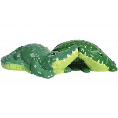 Mwah Kissing Salt Pepper Shakers Alligator Green 93979