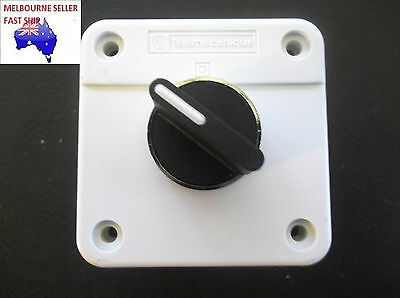 2 or 3 POSITION  SELECTOR SWITCH WITH CONTROL STATION BOX