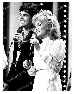 BARBARA MANDRELL, DONNY OSMOND Terrific ORIGINAL TV Photo BARBARA MANDRELL AND..