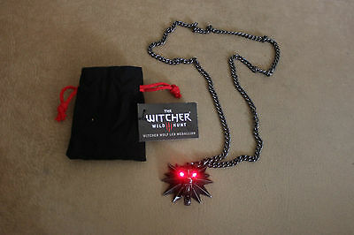 The Witcher 3 Wild Hunt Official Medallion + Necklace Chain Wolf Red Led Eyes