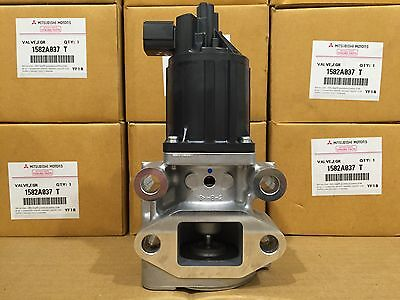 Mitsubishi Pajero EGR Valve Genuine 3.2L Turbo Diesel 4M41T includes gaskets x 2