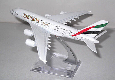 Emirates A380 Airbus 16CM Airlines Die Cast Metal Desk Aircraft Plane Model UK