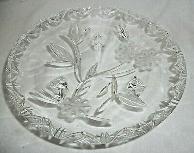 VINTAGE LEAD CRYSTAL 22cm diameter FOOTED BOWL - beautiful shape & patterns