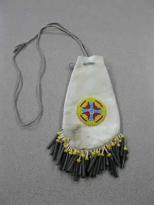 VINTAGE NATIVE AMERICAN PLAINS INDIAN BEADED LEATHER POUCH Free Shipping Box A-1
