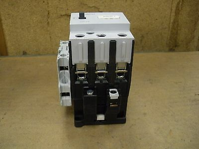Siemens Contactor 3TF4411-0A with (1) Auxiliary Contact