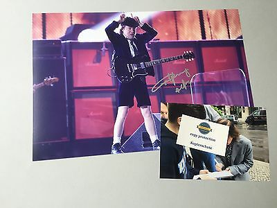 ANGUS YOUNG  AC/DC In-person signed  Foto 20 x 30 cm Autogramm