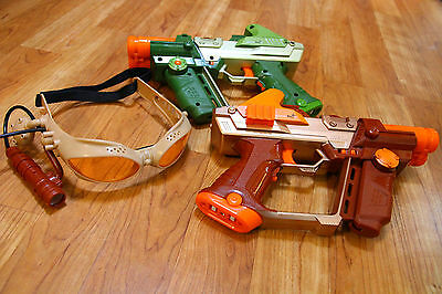 Lot of Two Lazer Tag Guns Pair of Goggles Tiger Electronics Laser Tag Team Ops