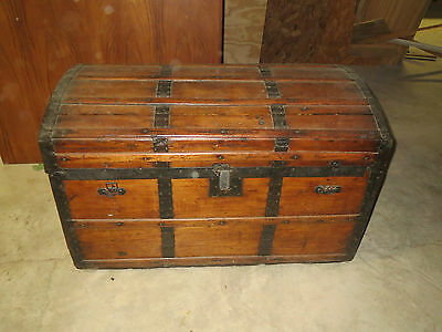 Antique Vintage Steamer Storage Trunk Wood Lined Dome Top Trunk Chest