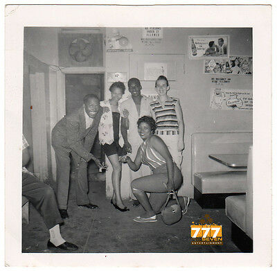 Vintage African American Friends Family Old Photo Black Americana SQ54
