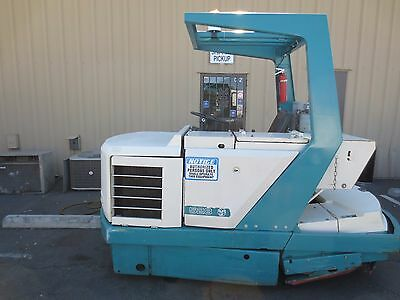 1998 Tennant 528 Sweeper Scrubber