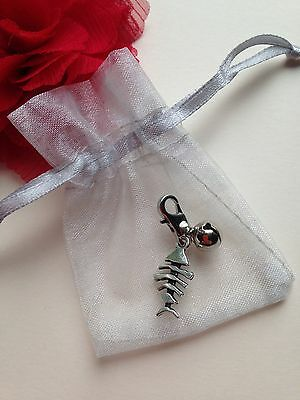 FISHBONE 3D Clip Charm Cat Kitten Pet Bag Collar & Silver Bell in Gift Pouch UK