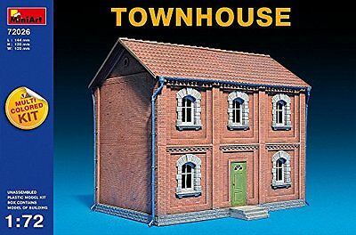 Miniart 1:72 - Townhouse (Multi Coloured Kit) (MIN72026)