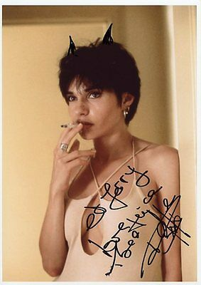 AUTOGRAPHE SUR PHOTO de Béatrice DALLE  (signed in person)