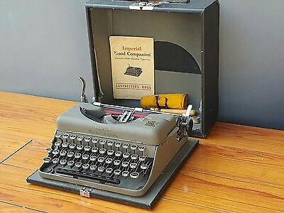 Vintage Imperial Good Companion Typewriter complete manual, case & cleaning kit
